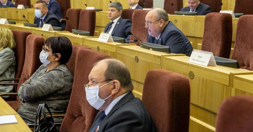 В новосибирском заксобрании стало больше профессионалов