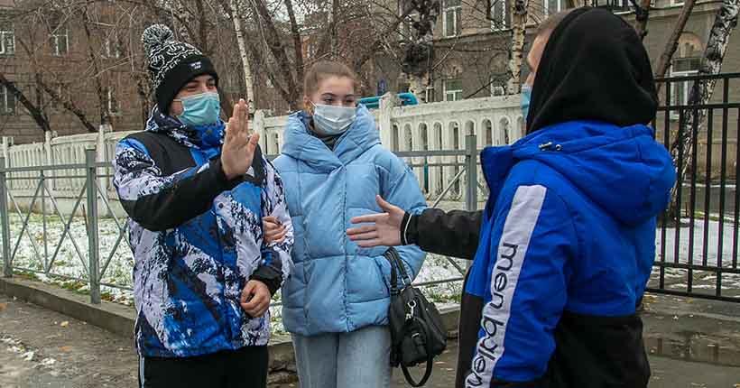 Более 300 случаев COVID-19 выявили за минувшие выходные в Новосибирской области