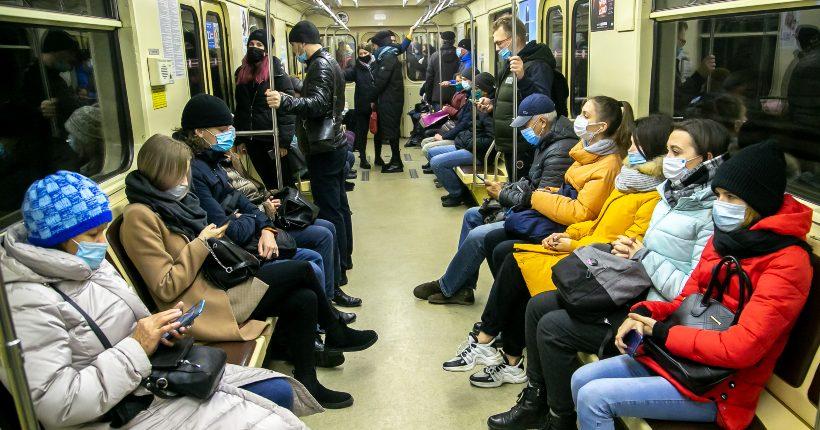 Во время пандемии коронавируса новосибирцы стали реже пользоваться общественным транспортом