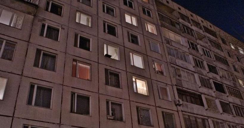 Мужчина упал с седьмого этажа в Новосибирске