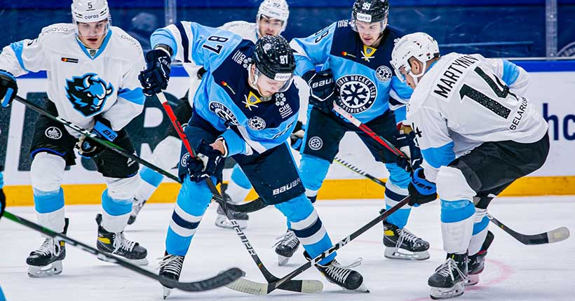 «Так играть нельзя»: хоккейная «Сибирь» всухую проиграла минскому «Динамо»