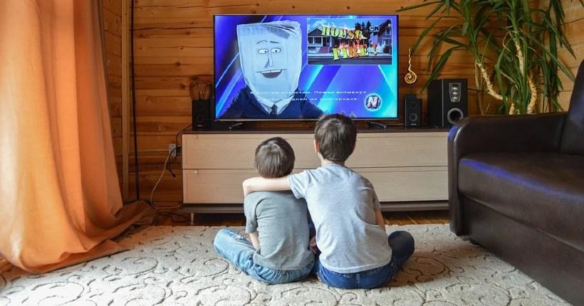 Новосибирских школьников будут учить по телевизору