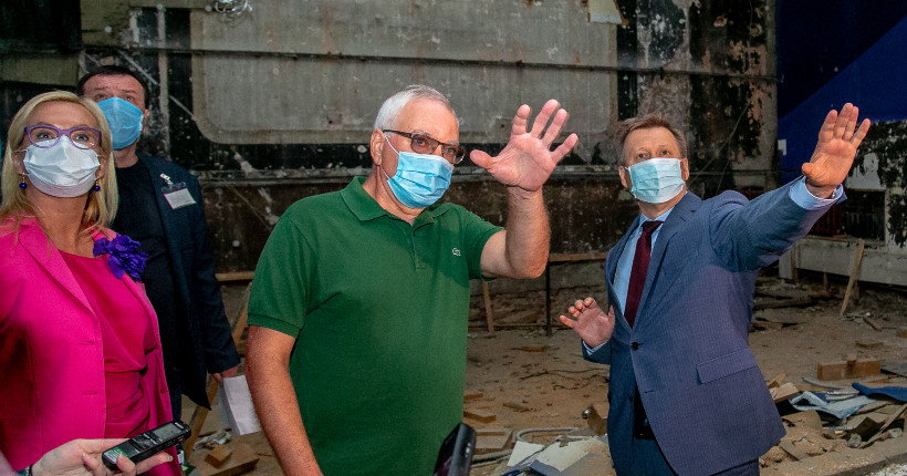 Губернатор Новосибирской области поручил «найти» федеральные деньги на реконструкцию театра Афанасьева