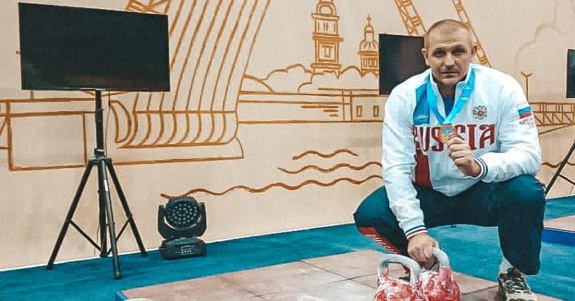 Все три новосибирских гиревика вернулись с медалями с чемпионата мира