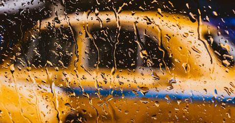 В Новосибирске задержали молодого таксиста, ограбившего своего пассажира