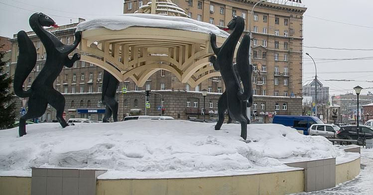 В центре Новосибирска около сотни зданий остались без отопления и горячей воды