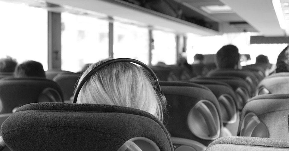 Пятнадцать белых автобусов отправят в Новосибирск из Минска