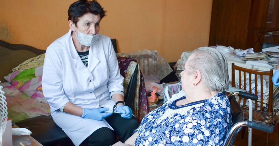Клиника «1+1» выиграла грант на оказание медицинской помощи пожилым жителям Новосибирска