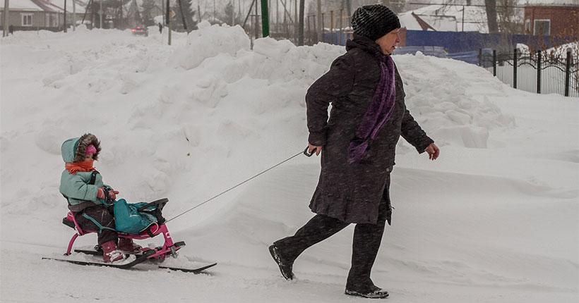 Владимир Путин подписал указ о единовременной выплате 5 тысяч рублей на детей до семи лет