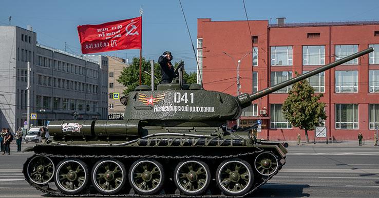 Новосибирский градоначальник предложил российским спортсменам выступать под Знаменем Победы