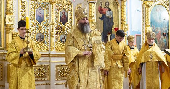 Божественную литургию совершили в Новосибирске в день памяти святителя и Чудотворца Николая
