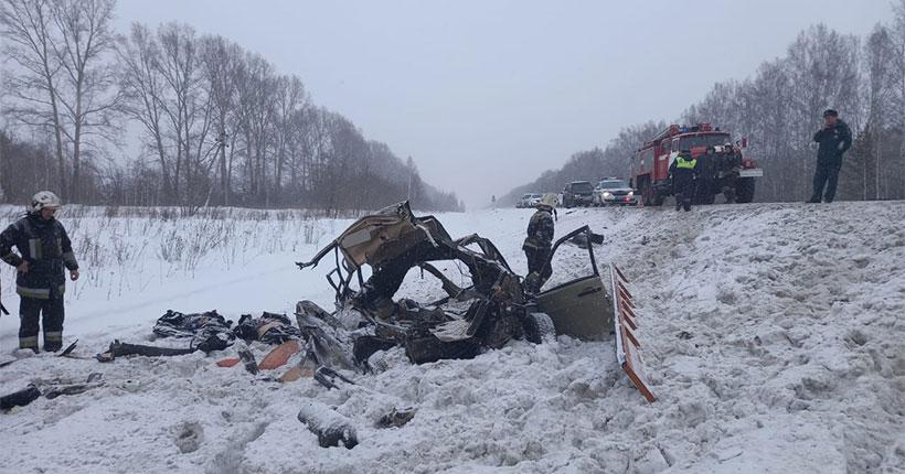 В Новосибирской области авария на трассе унесла сразу три жизни