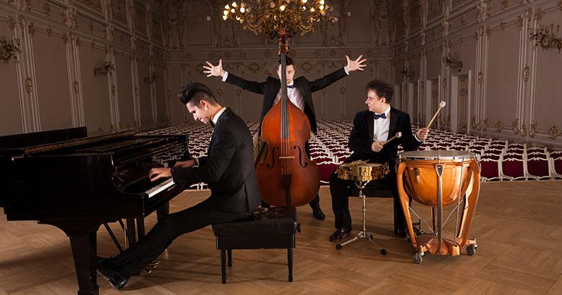 «Белый фестиваль» в Новосибирской филармонии завершится концертом трио «Добрый вечер» и филармонического камерного оркестра