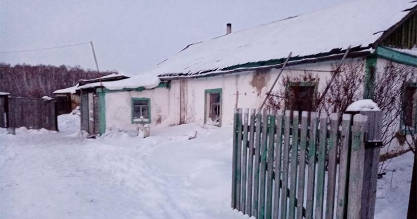 Следователи назвали возможную причину пожара в доме многодетной семьи в Новосибирской области