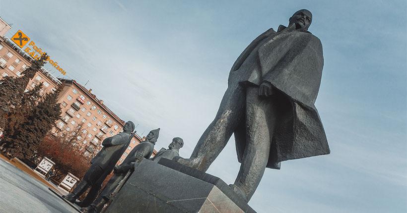 В Новосибирске к памятнику великого лидера коммунистов будут возложены цветы