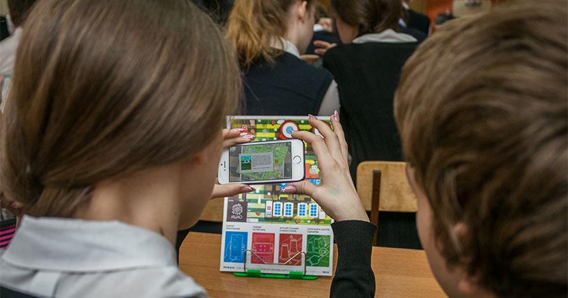 Стало известно, сколько детей в образовательных учреждениях Новосибирской области болеют COVID-19