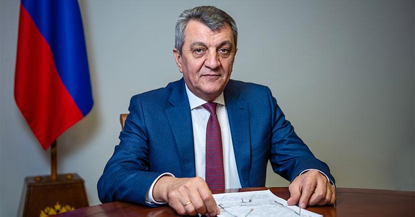 Полномочный представитель Президента РФ в СФО Сергей Меняйло поздравил газету «Ведомости» с 30-летием