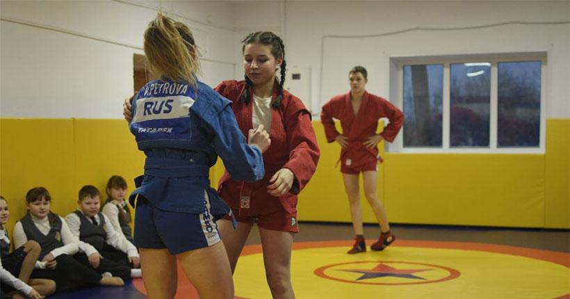 В Новосибирской области проект «Самбо — в школу!» становится сверхпопулярным