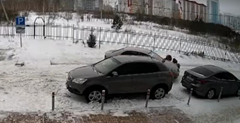 Председатель СКР взял на контроль проверку по факту умышленного наезда на женщину с ребёнком в Новосибирске