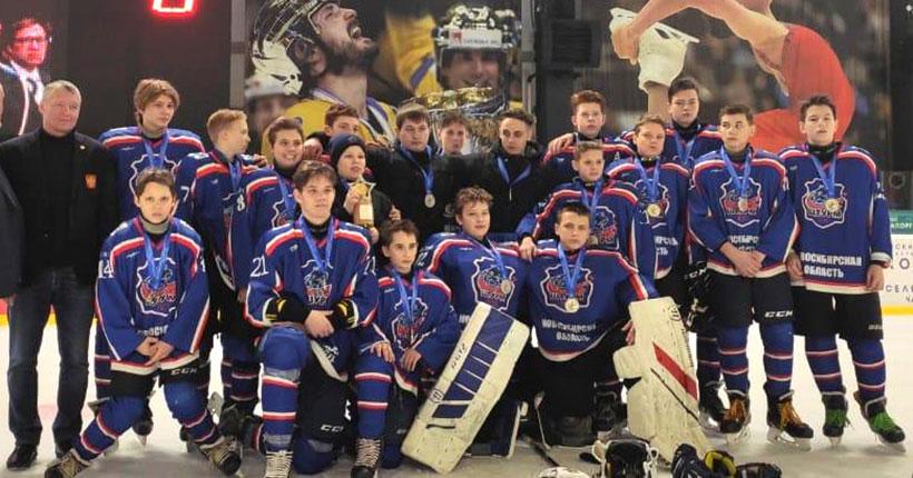 Хоккеисты из Коченёвского района взяли серебро на «Золотой шайбе»