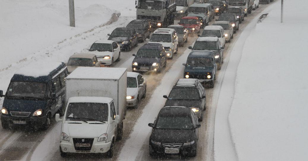 Мэр Новосибирска объяснил колоссальные транспортные пробки в городе
