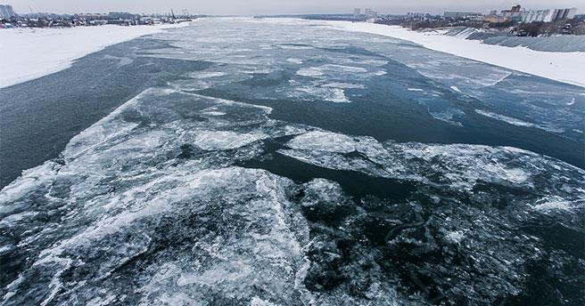 Новосибирская ГЭС увеличивает сброс воды: спасатели предупреждают о рисках