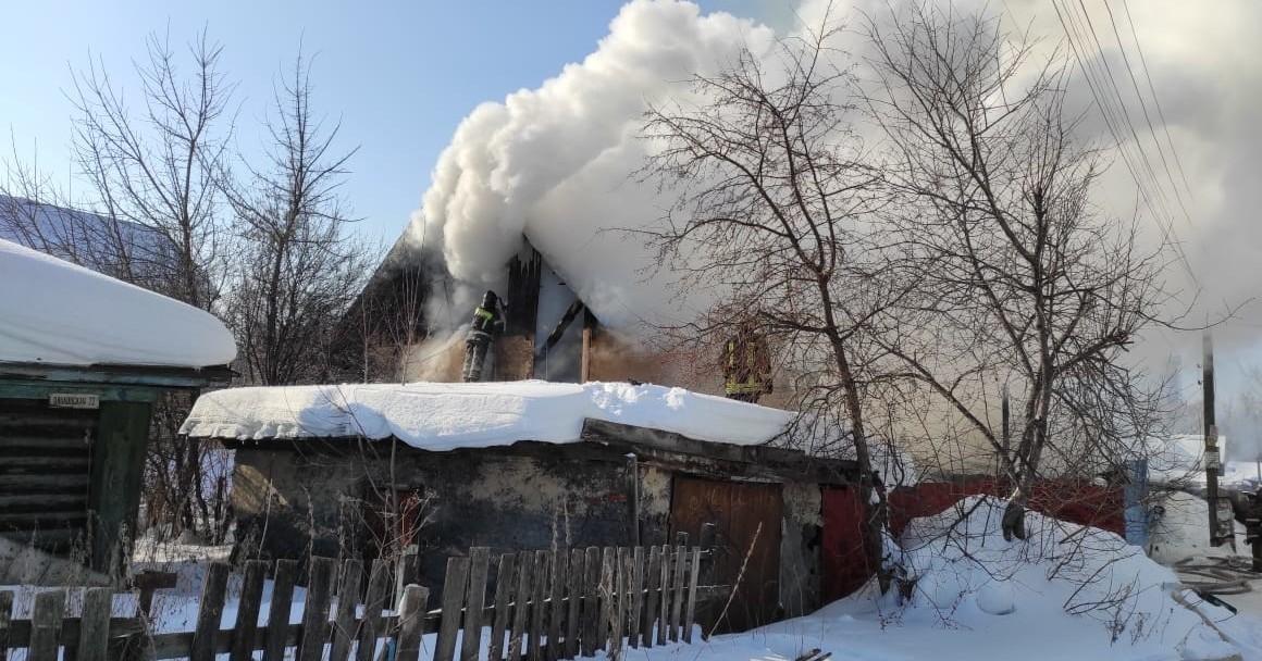 В Новосибирске во время крупного пожара погибли дети