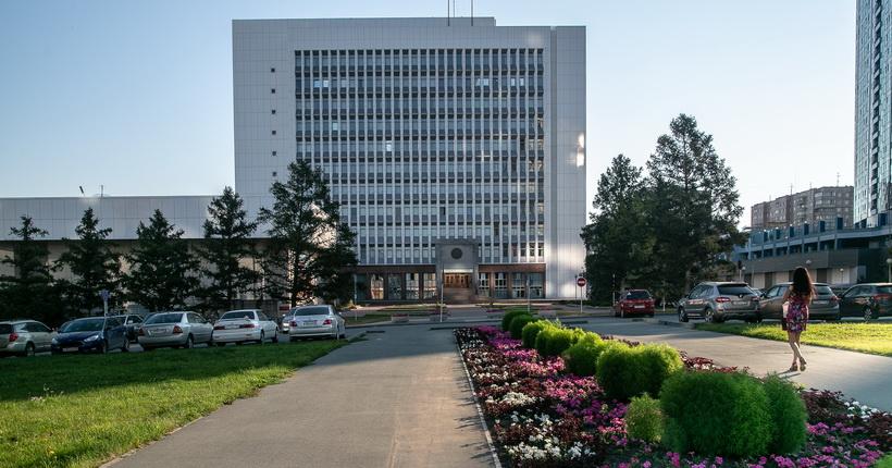 Возле здания заксобрания может появиться парк имени новосибирского депутата