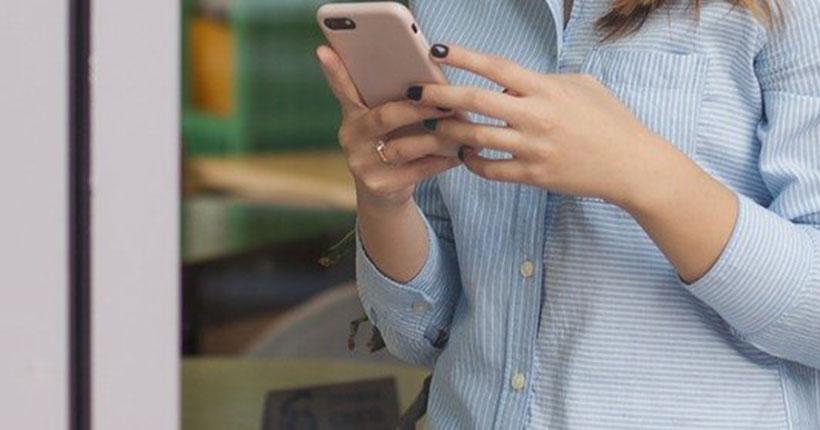 Юную девушку будут судить в Новосибирской области за кражу с банковской карты