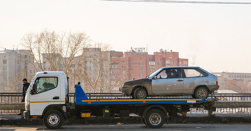 В Новосибирске рядом с одной из школ запретят остановку автотранспорта