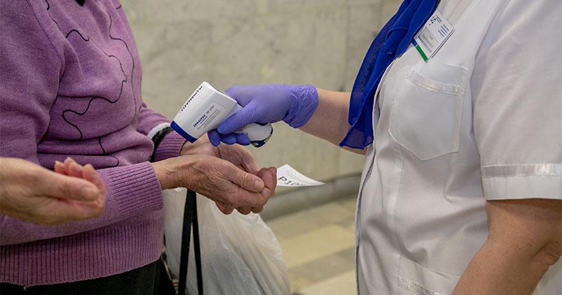 В Новосибирской области уменьшилось количество выявленных за сутки случаев COVID-19