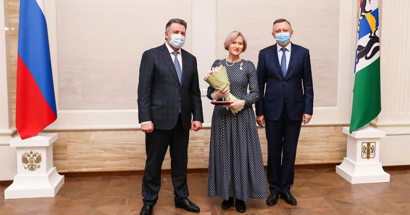 В Новосибирской области 4 марта наградили многодетных мам