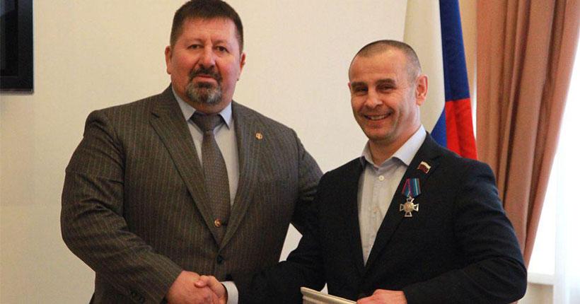 Депутату Законодательного собрания Новосибирской области Игорю Умербаеву вручили медаль «За офицерскую честь»