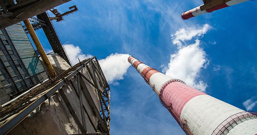 В Новосибирске синоптики объявили режим чёрного неба первой степени опасности