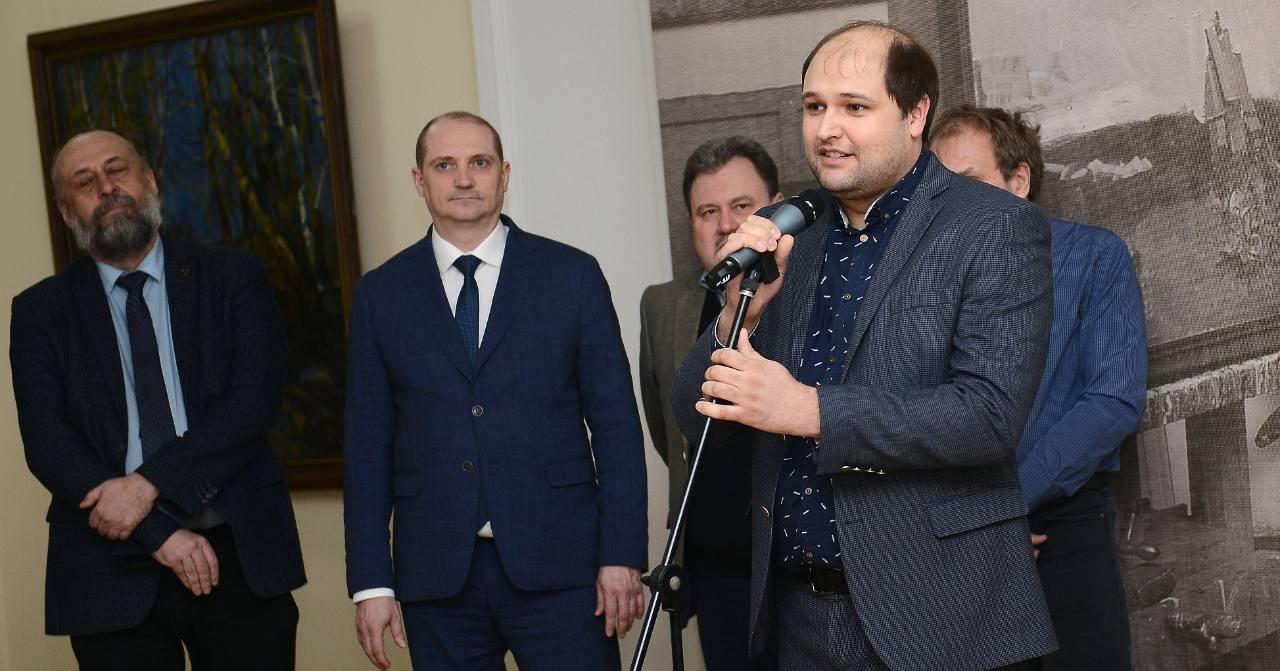Директор Новосибирского художественного музея Сергей Дубровин покинул свой пост, и. о. назначен Юрий Яшкин