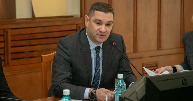 На ближайшей сессии новосибирского заксобрания добавят денег на дороги, поликлиники и школы