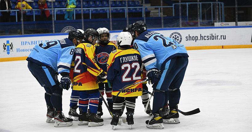 «Ростелеком» поддержал конкурс «Хоккей в глубинке» в Новосибирской области