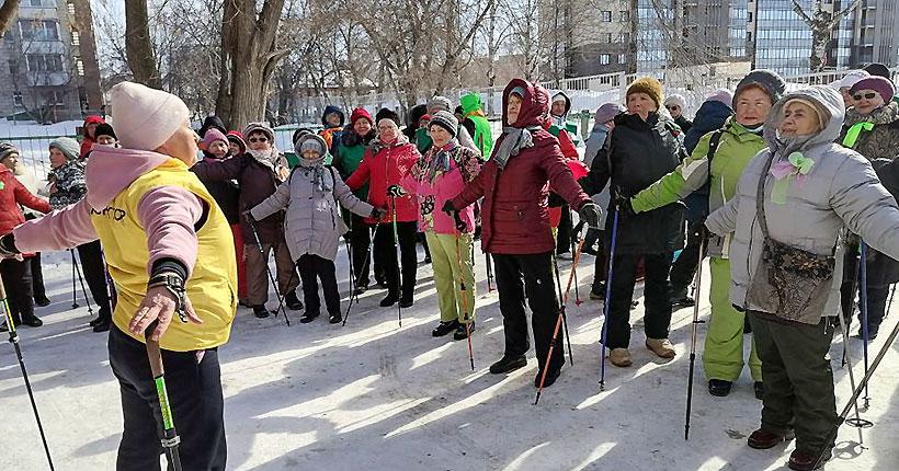 Депутат заксобрания Михаил Федорук помог провести праздник скандинавской ходьбы