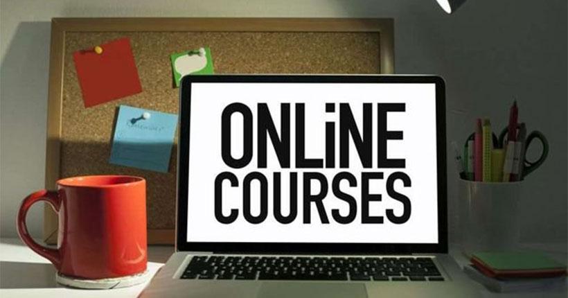 С 1 апреля интернет-сервис «Авито» переводит онлайн-курсы, электронные версии книг и аудиокниг в разряд запрещённых товаров