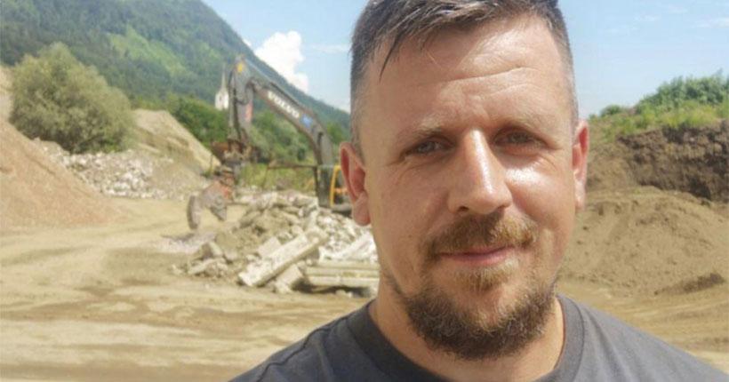 Болельщик из Австрии поддержал хоккейную «Сибирь», сделав оригинальную татуировку