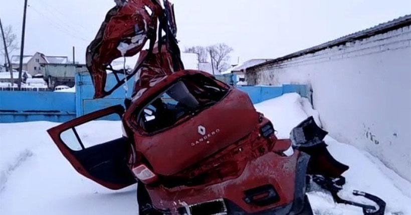 Появились подробности страшной аварии в Новосибирской области, где погибла семья