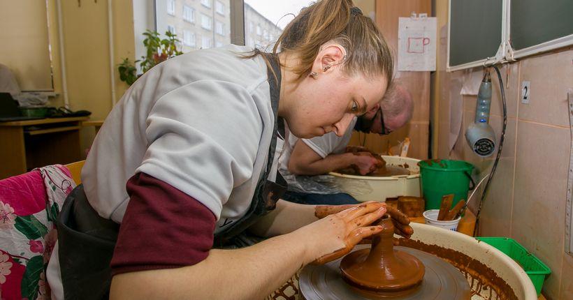 Новосибирские гончары и маляры с ограниченными возможностями отправятся соревноваться в Москву
