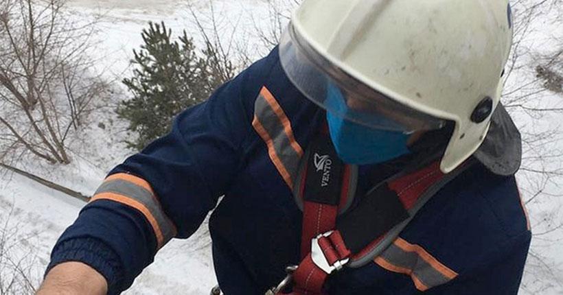 Новосибирские спасатели рассказали, чем закончился для мужчины вечерний променад на крыше дома