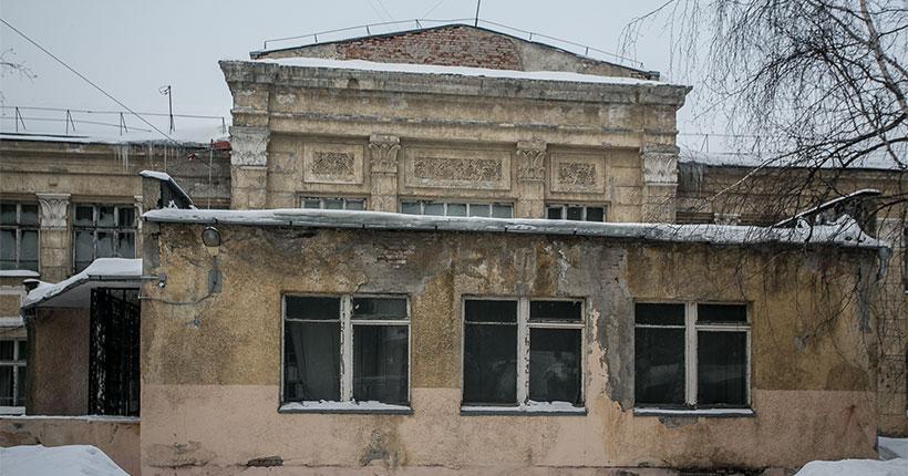 В Новосибирске вместо снесённого здания школы №54 построят новое — с двумя пассажирскими лифтами и доступной средой