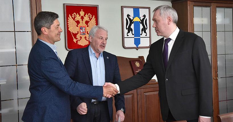 В правительстве Новосибирской области прошла встреча с новым тренером ХК «Сибирь»