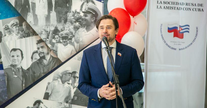 Один депутат заксобрания сменил другого на посту руководителя партии «Справедливая Россия» в НСО