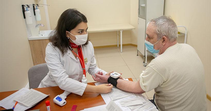 В Новосибирской области будут бесплатно тестировать на COVID-19 всех пациентов с ОРВИ и членов их семей
