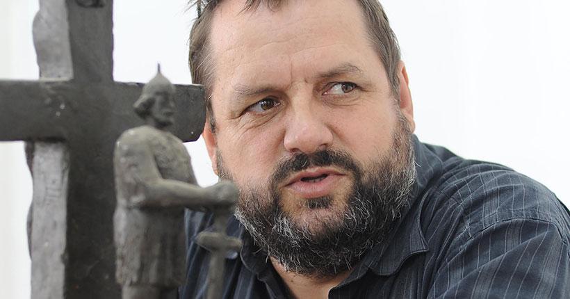 Работы автора скульптуры «Сердце» в Первомайском сквере представлены в Новосибирском художественном музее