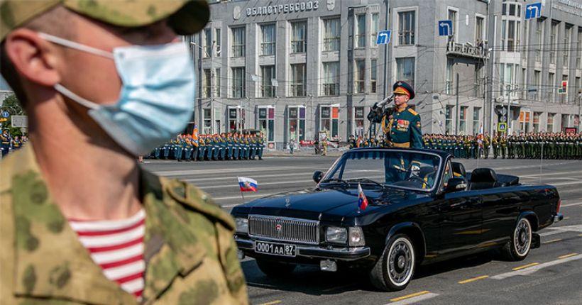 Участники предстоящего Парада Победы проходят вакцинацию от коронавируса в Новосибирской области