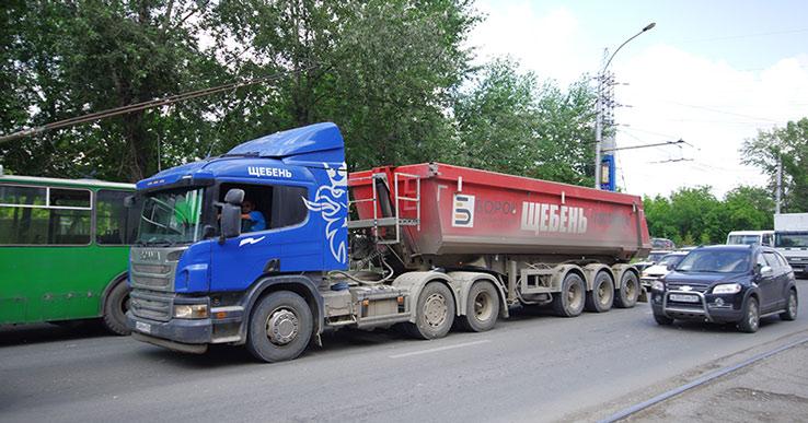 Грузовикам разрешили ездить только по десяти улицам в Новосибирске